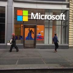 Photo taken at Microsoft by Reyhan C. on 10/25/2015