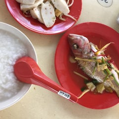 Photo taken at Hougang 105 Hainanese Village Centre (Lorong Ah Soo Food Centre) by Susanne T. on 5/22/2015