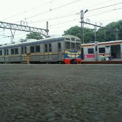 Photo taken at Stasiun Jatinegara by Donny S. on 2/4/2013
