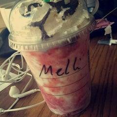 Photo taken at Starbucks by Meli P. on 2/13/2016