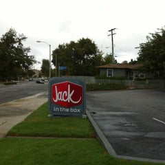 Photo taken at Jack in the Box by zZxYz on 10/21/2012