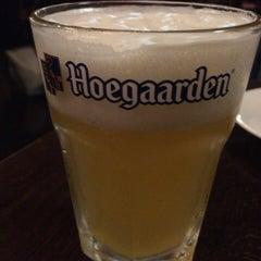 Photo taken at Irish Pub Stasiun 田町店 by エスパーみこ on 4/6/2015