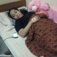 Photo taken at Apotik Medika Lestari by Sendhy H. on 10/11/2011