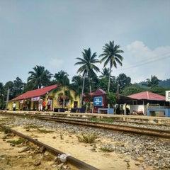 Photo taken at KTM Dabong Railway Station (Stesen Keretapi) by Enchek N. on 9/2/2015