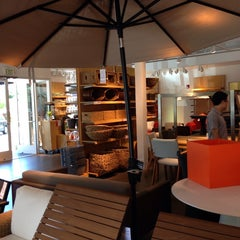 Photo taken at Crate & Barrel Outlet by Agnes T. on 6/28/2014