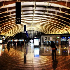 Photo taken at 上海浦东国际机场 Shanghai Pudong Int'l Airport (PVG) by David Y. on 3/27/2013