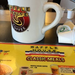 Photo taken at Waffle House by Sally C. on 8/10/2014