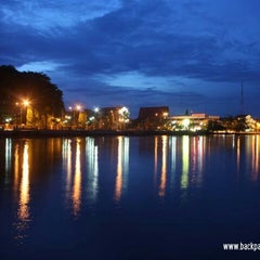 Photo taken at Siring Tendean by Si Ayah A. on 12/13/2013