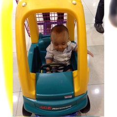 Photo taken at ACE Home Center by Nieza N. on 3/19/2015
