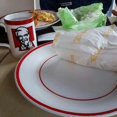 Photo taken at KFC / KFC Coffee by Ezra R. on 6/17/2014