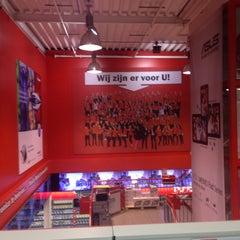 Photo taken at Media Markt by Hessel v. on 4/26/2014