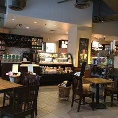 Photo taken at Starbucks by David D. on 8/11/2014