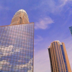 Photo taken at Bank of America Corporate Center by Alejandro J. on 4/4/2015