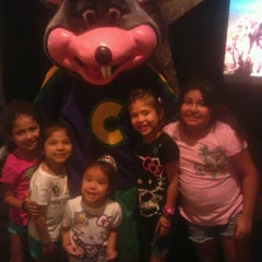 Photo taken at Chuck E. Cheese's by B T. on 9/28/2012