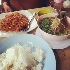 Photo taken at Restoran Anjung Rasa by Lea on 6/10/2013