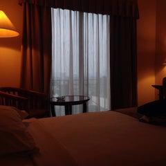 Photo taken at Hotel Kaisar by Ineke S. on 5/26/2015