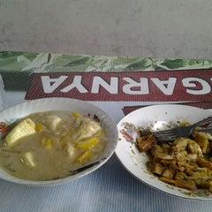 Photo taken at Segitiga Erlangga Food Court by Frysa P. on 12/1/2012