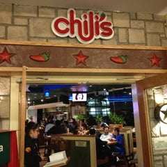 Photo taken at Chili's by Louis S. on 10/5/2012