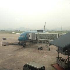 Photo taken at Domestic Terminal by ! @ 🇯🇵Eiji R. on 7/15/2013