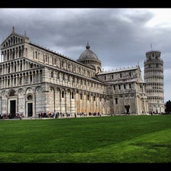 Photo taken at Piazza del Duomo (Piazza dei Miracoli) by Rob on 9/29/2012