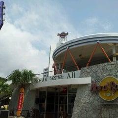 Photo taken at Hard Rock Cafe Pattaya by KS on 10/15/2012