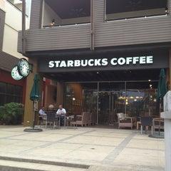 Photo taken at Starbucks (สตาร์บัคส์) by Günter P. on 4/11/2013