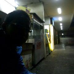 Photo taken at Giant by Azwar N. on 9/30/2012