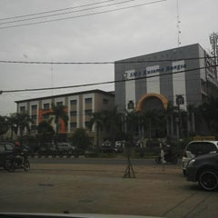 Photo taken at SMA Kusuma Bangsa by Indra G. on 3/25/2014