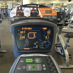Photo taken at 24 Hour Fitness by Ekaterina K. on 10/26/2015