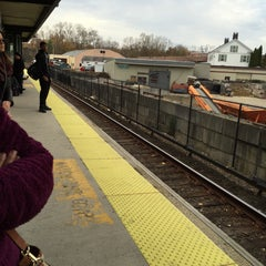 Photo taken at Metro North - Hawthorne Train Station by Ella Lee N. on 11/7/2015