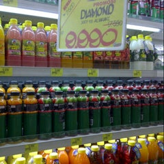 Photo taken at Giant Hypermarket by tenny w. on 9/30/2012