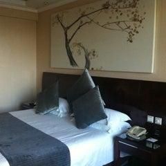 Photo taken at Kingdom Hotel Yiwu by AYNUH on 7/22/2013