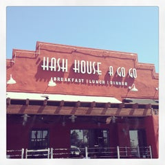 Photo taken at Hash House A Go Go by Charlotte K. on 6/9/2013