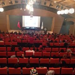 Photo taken at Üsküdar Üniversitesi Nermin Tarhan Konferans Salonu by Bahadır K. on 10/4/2013