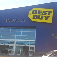Photo taken at Best Buy by Mikel C. on 4/13/2013