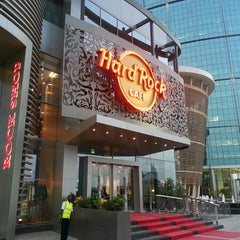 Photo taken at Hard Rock Café | هارد روك كافيه by H A M D A N on 7/1/2013