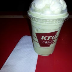 Photo taken at KFC / KFC Coffee by Feni W. on 4/12/2015