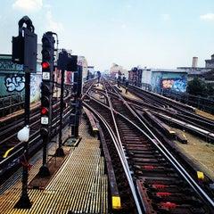Photo taken at MTA Subway - Myrtle Ave/Broadway (J/M/Z) by E. J. W. on 7/19/2013