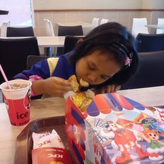 Photo taken at KFC by H. E. on 5/3/2013