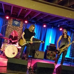 Photo taken at Duck Room at Blueberry Hill by Jason S. on 9/29/2014