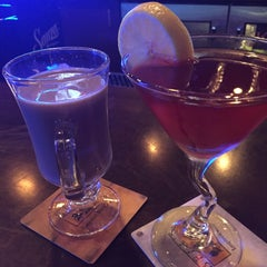 Photo taken at Ernie's Pub & Grille by Elisabeth A. on 12/14/2014