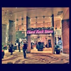 Photo taken at Seminole Hard Rock Hotel & Casino by Rachel L. on 12/20/2012