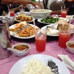 Photo taken at Q Thai Restaurant by Aiman S. on 2/3/2016