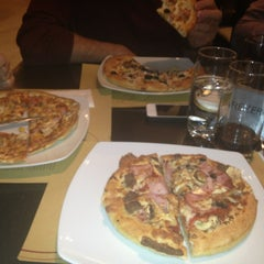 Photo taken at Pizza Hut by Iulia P. on 2/5/2013