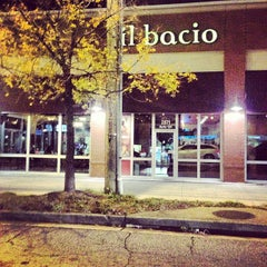 Photo taken at Il Bacio by Masato W. on 11/15/2012