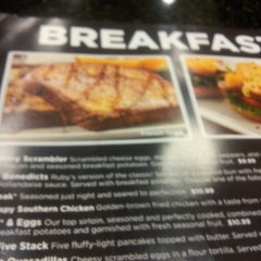 Photo taken at Ruby Tuesday by D L. on 8/23/2013