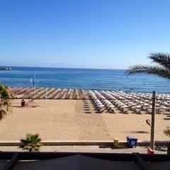 Photo taken at ILIOS beach hotel by Nikosp20 ✨ on 9/19/2015