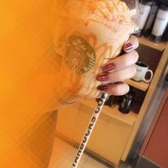 Photo taken at Starbucks   ستاربكس by Mirah🐱 on 3/13/2016