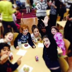 Das Foto wurde bei Manhattan School For Children von David T. am 12/18/2013 aufgenommen