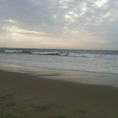Photo taken at Playa Vichayito by Diana E. on 12/27/2012